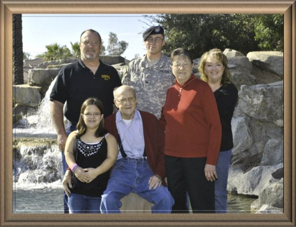 w familyall 600x460 Family